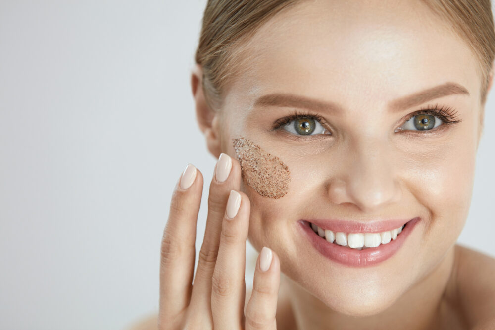 3 Awesome Benefits Of Exfoliating Your Skin